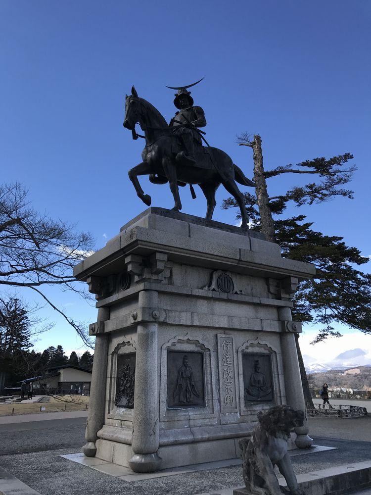 青葉城の伊達政宗騎馬像1