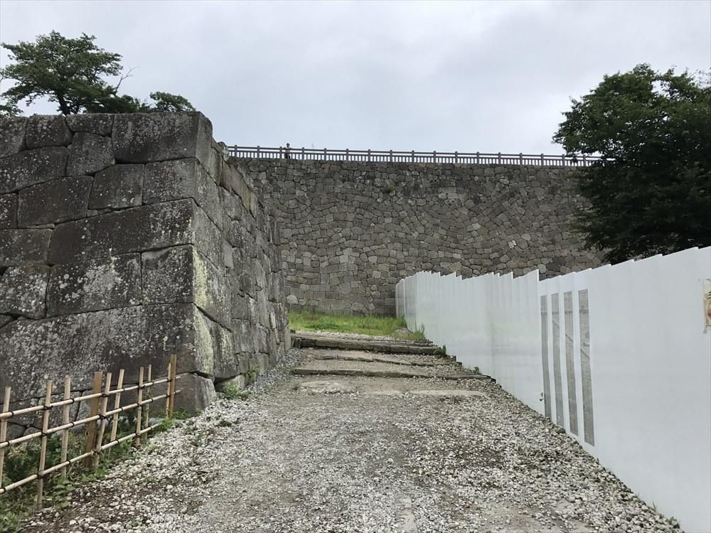 白河小峰城の石垣1