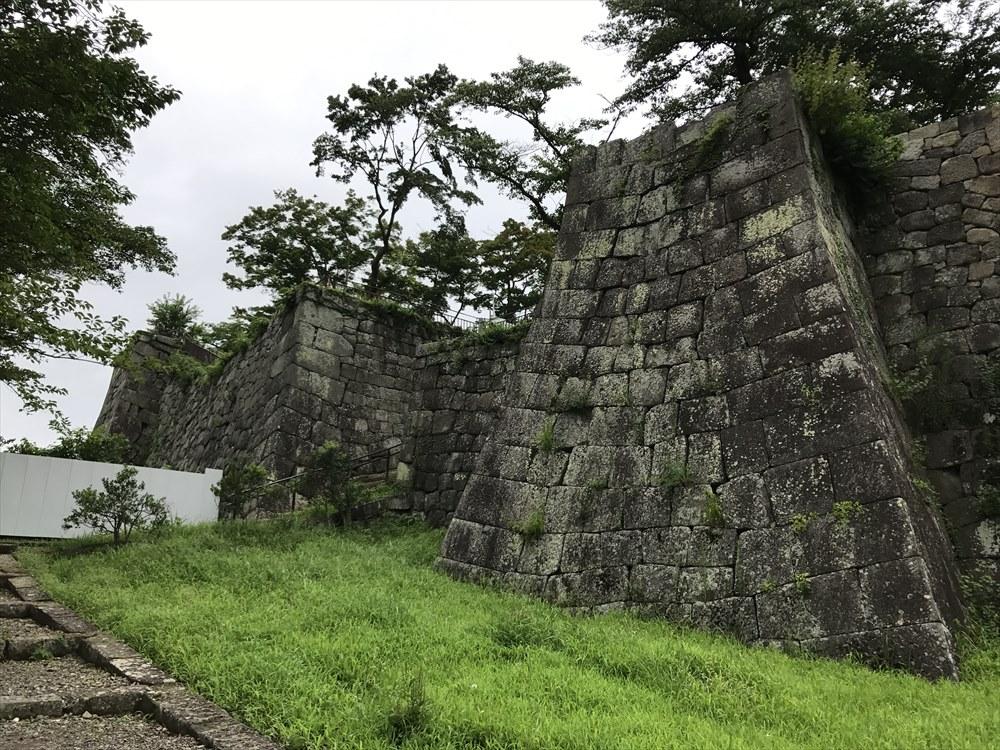 白河小峰城の石垣2