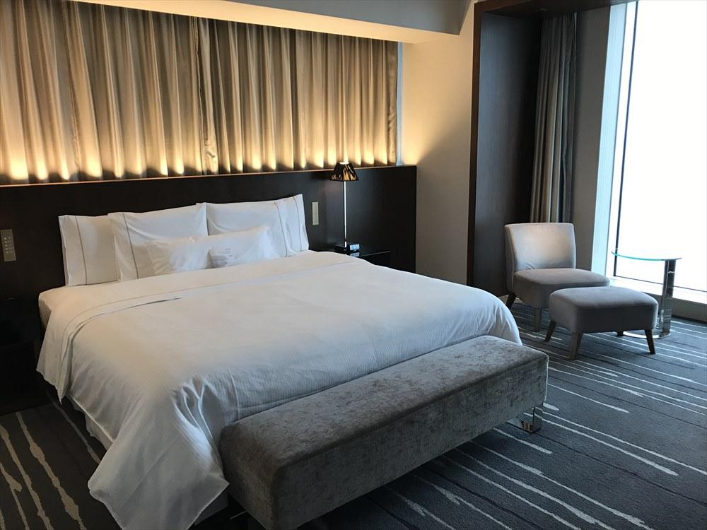 ウェスティンホテル仙台のデラックスルーム(ベッド側)2