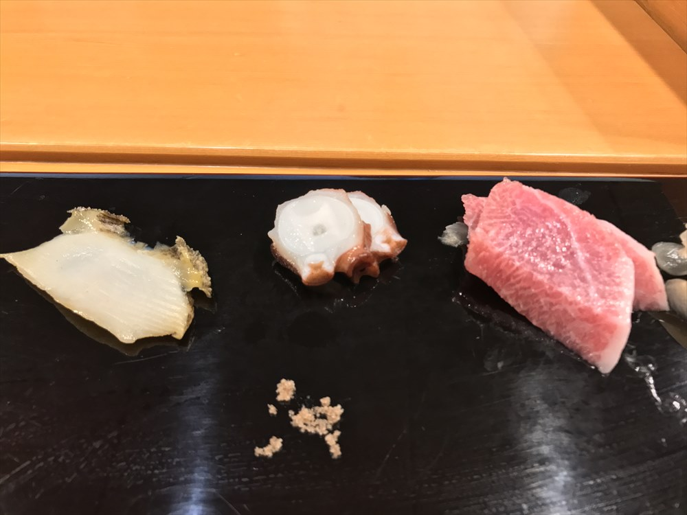 小判寿司のタコ、大トロ