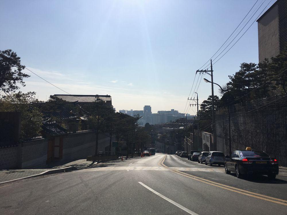 ソウル中央高校裏門付近