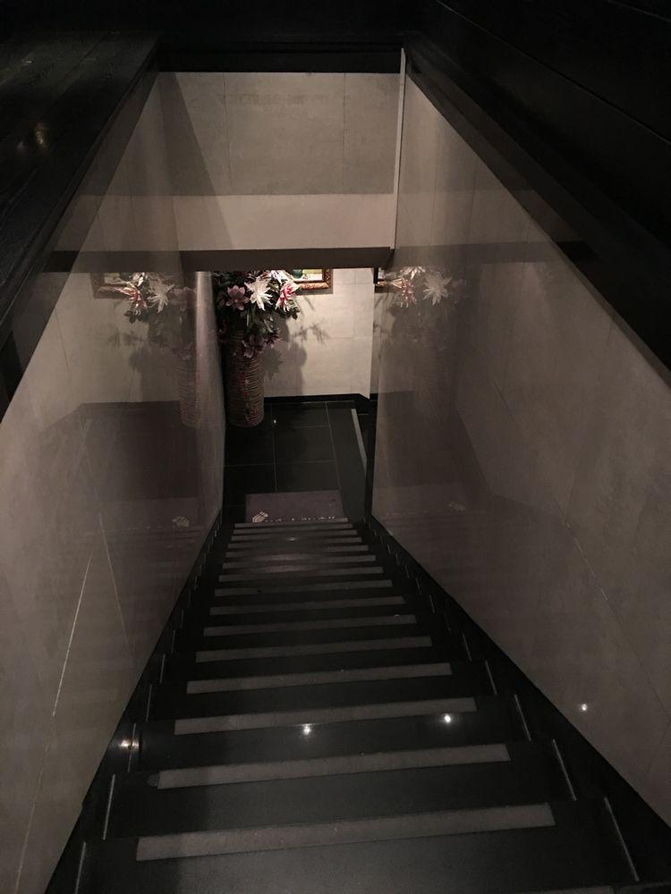 ソウルの駐在員クラブno nameの階段