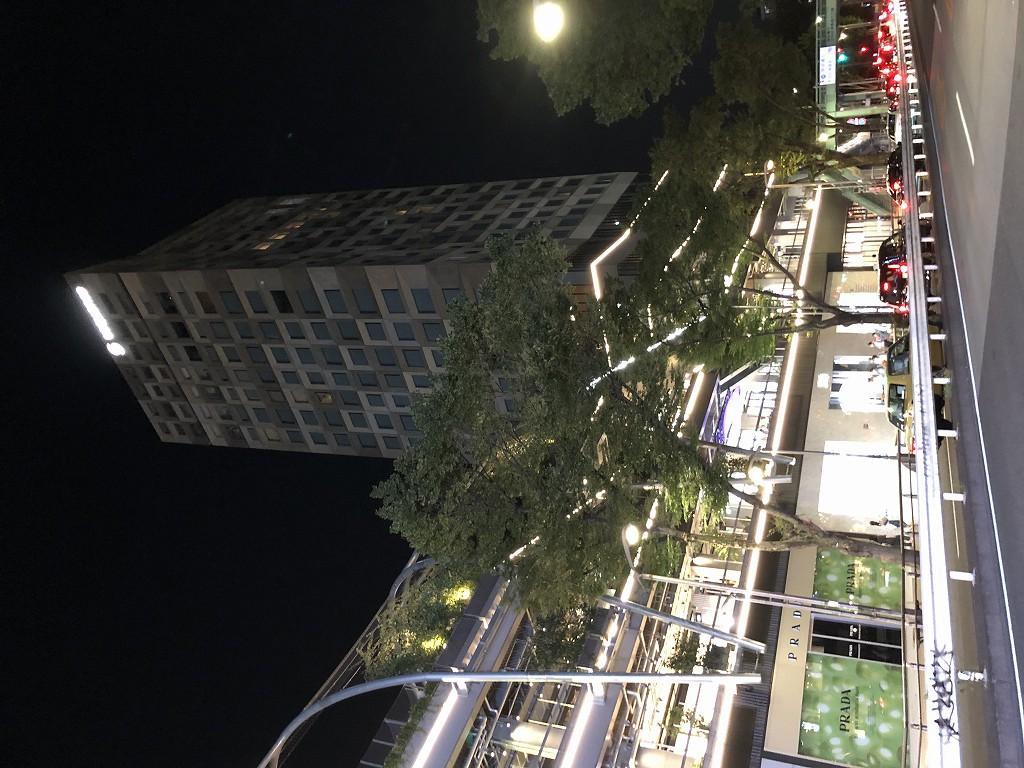 ミヤシタパーク1階の高級ブランド店1