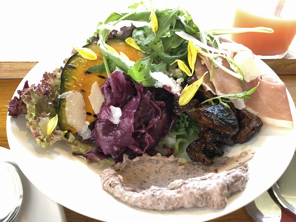 sequenceのDongxi Restaurantの朝食の前菜とヨーグルト2