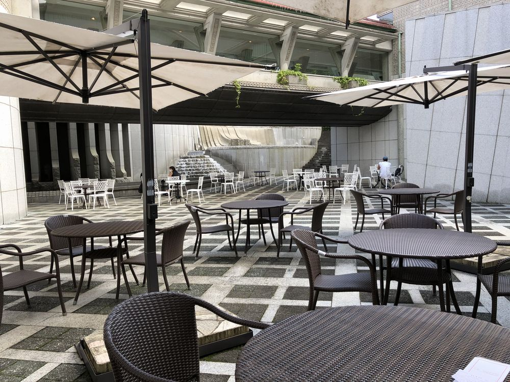 セタビカフェのオープンテラス席