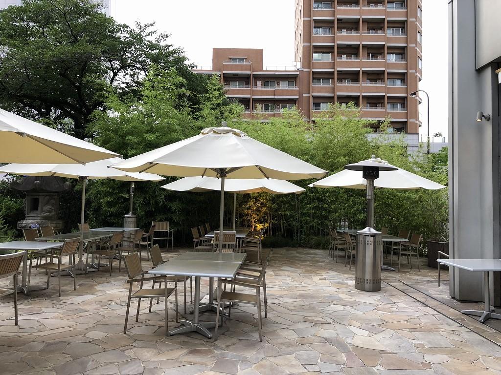 シェラトン都ホテル東京の「カフェ カリフォルニア」のテラス席1