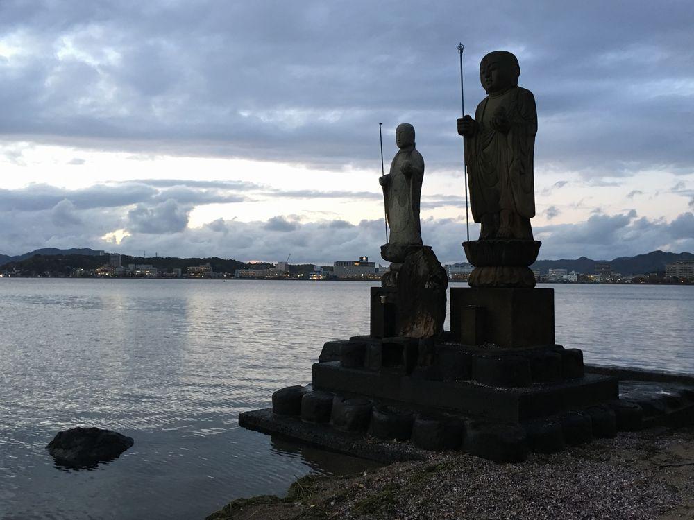 宍道湖の袖師地蔵