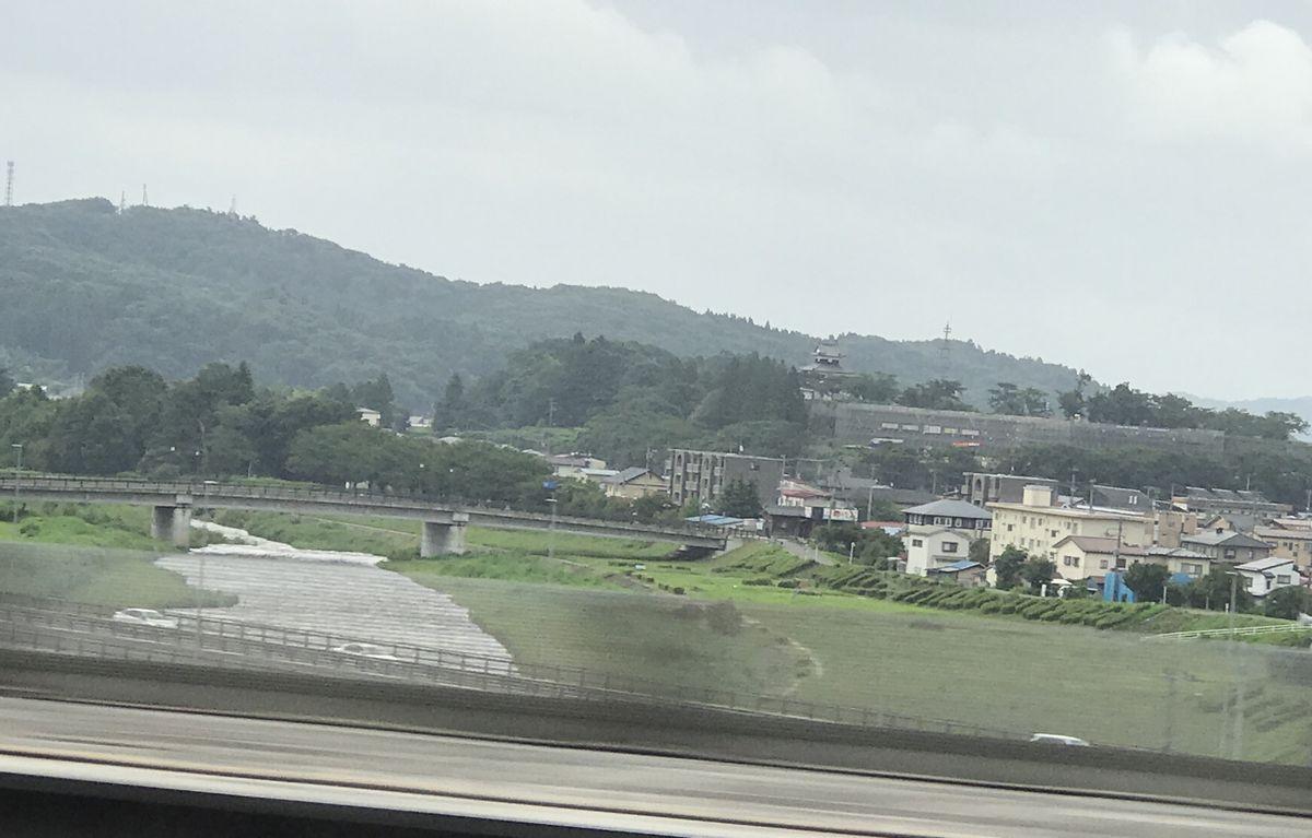 新幹線から白河小峰城