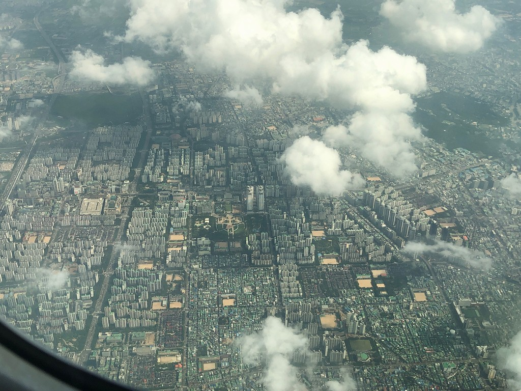 ANA861便から見たソウル市上空2
