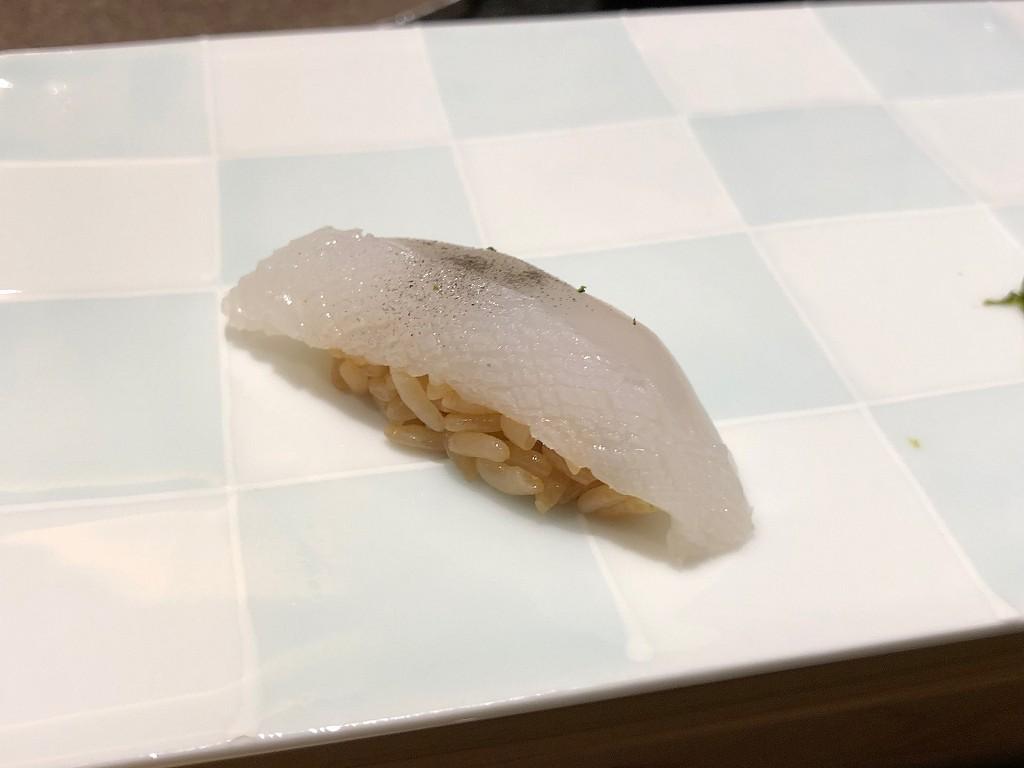 ソウルの「鮨 海信」のアオリイカ