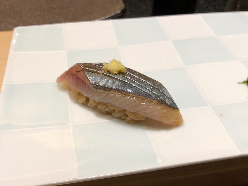 ソウルの「鮨 海信」のサンマ