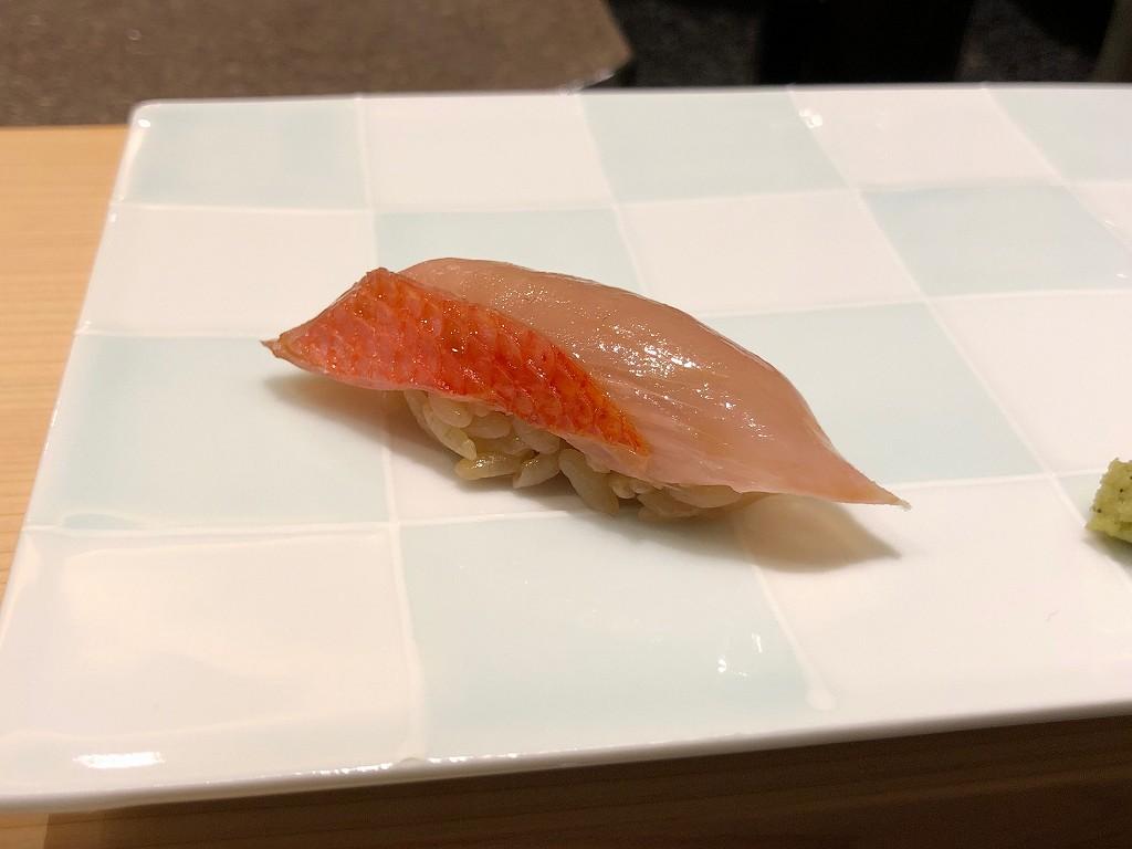 ソウルの「鮨 海信」のキンメダイ