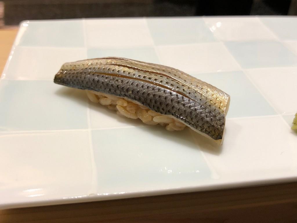 ソウルの「鮨 海信」のコハダ