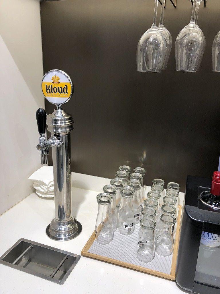 金浦空港のSKY HUB LOUNGEのKloudビールサーバー