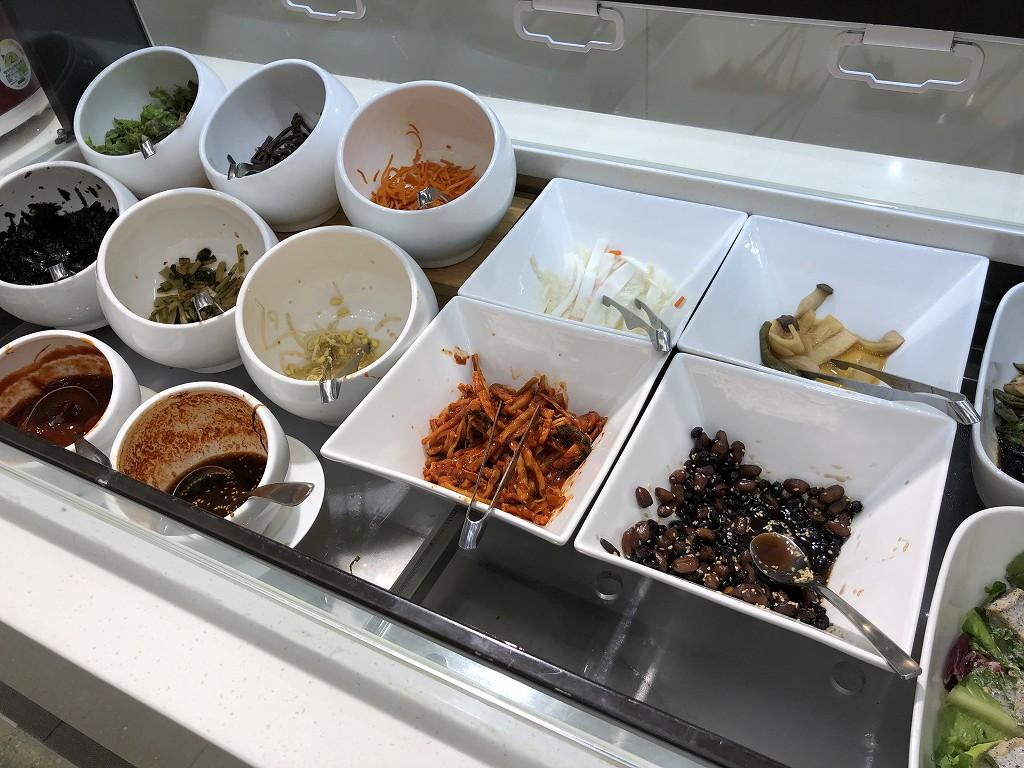 ソウル金浦空港のSKY HUB LOUNGEのビビンバ2