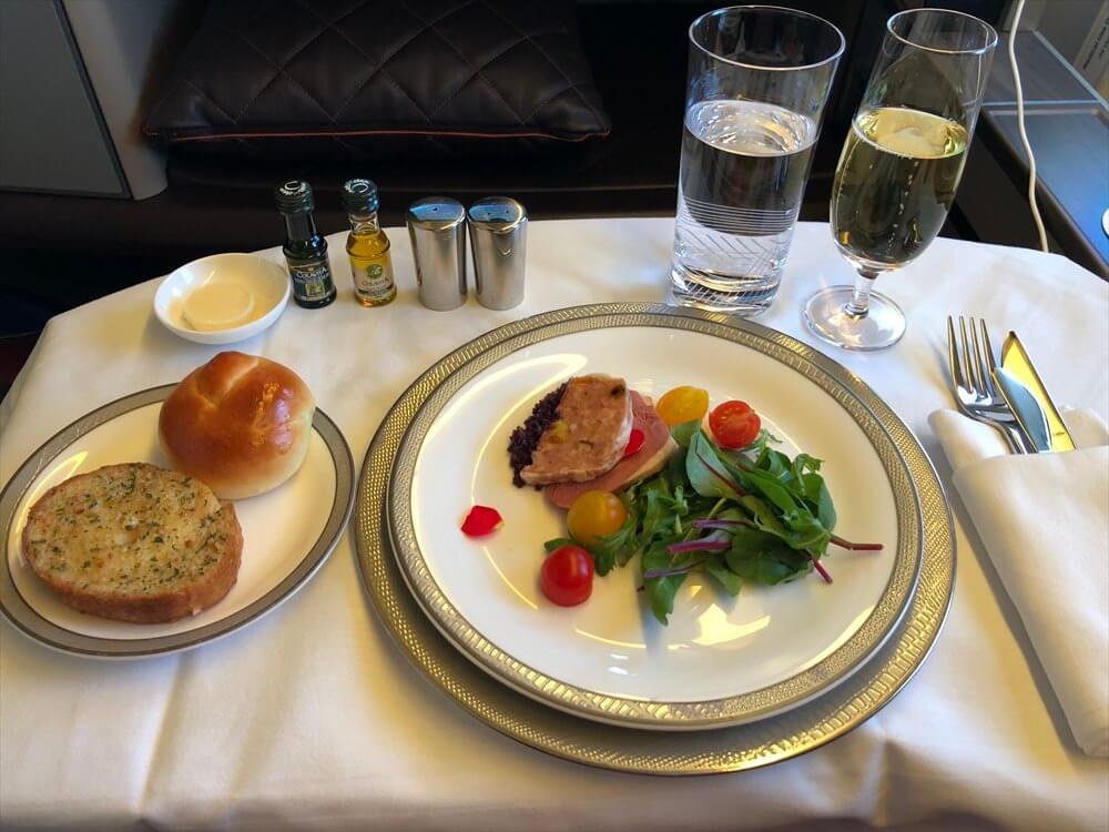 SQ631便ファーストクラスの機内食(前菜)1
