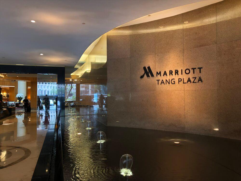 シンガポール マリオット タン プラザ ホテルの入口