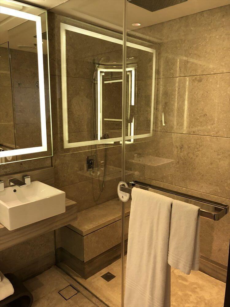 シンガポール マリオット タン プラザ ホテル(シャワー)