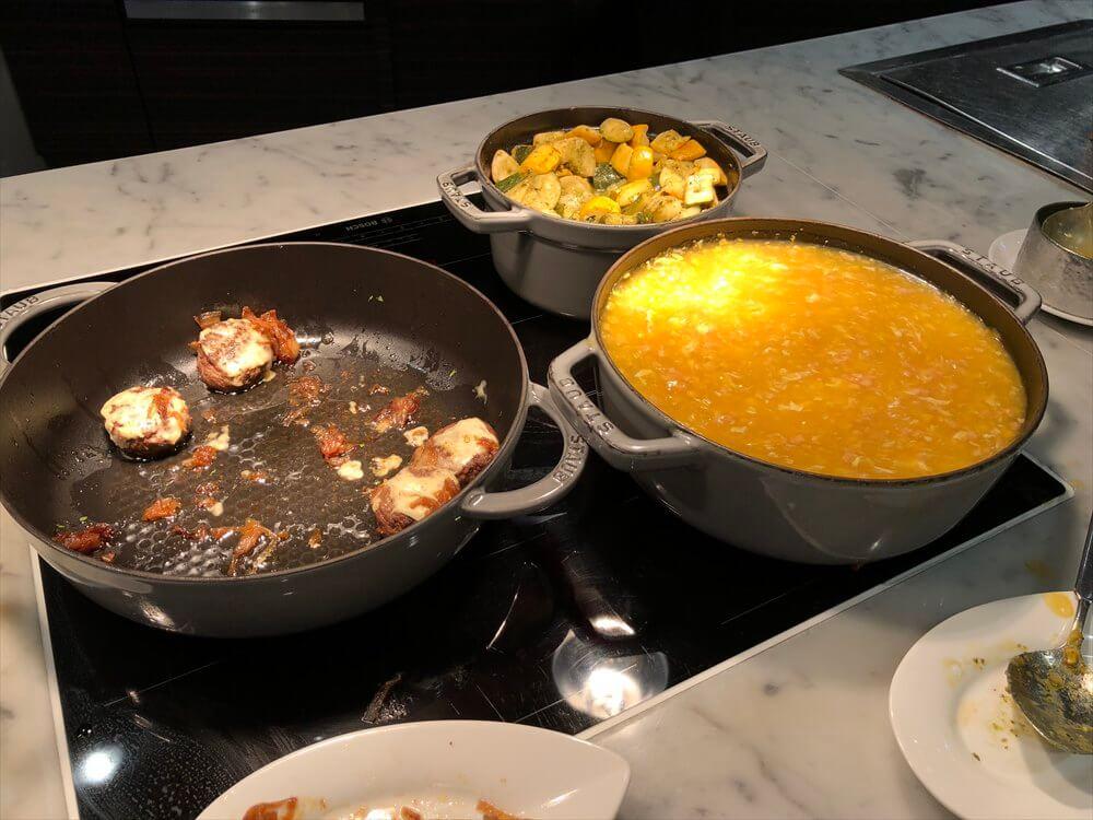 シンガポール マリオット タン プラザ ホテルのラウンジのカクテルタイムのフードメニュー4