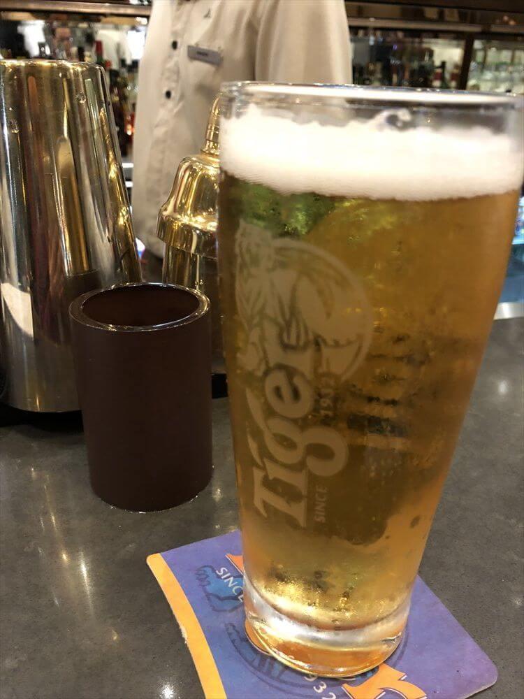 クロスロードカフェでタイガービール
