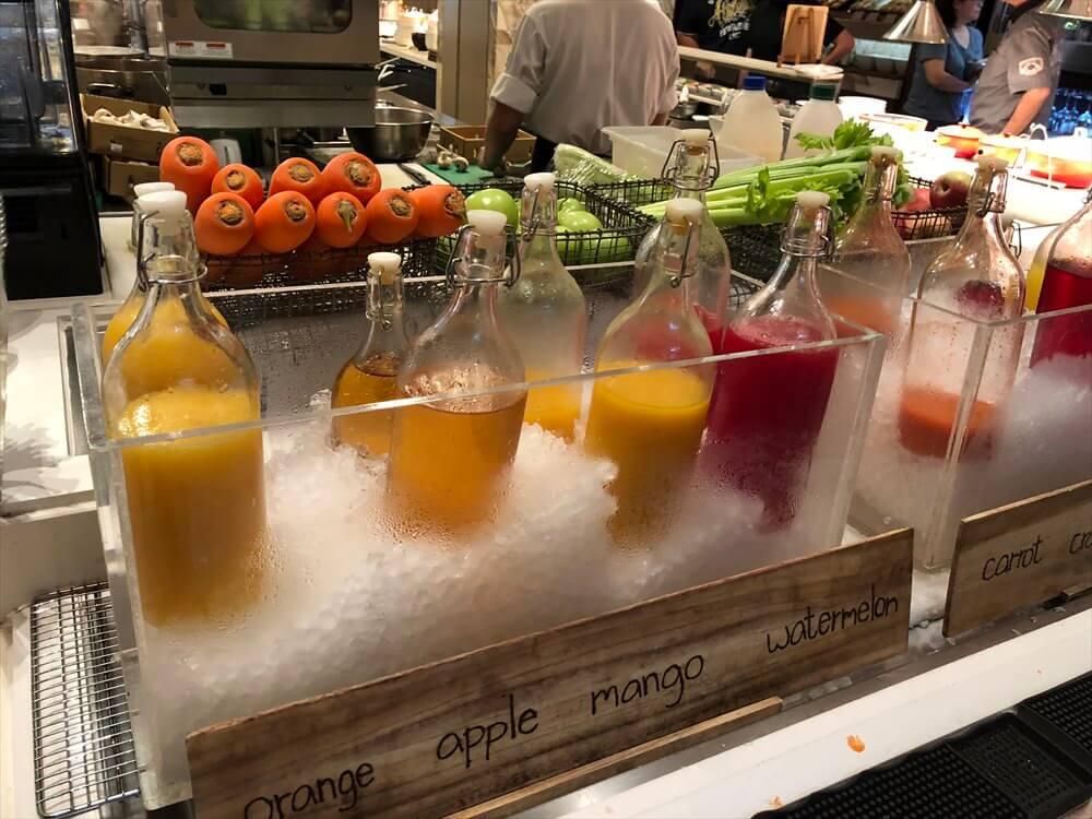 シンガポール マリオット タン プラザ ホテル朝食(ジュース)