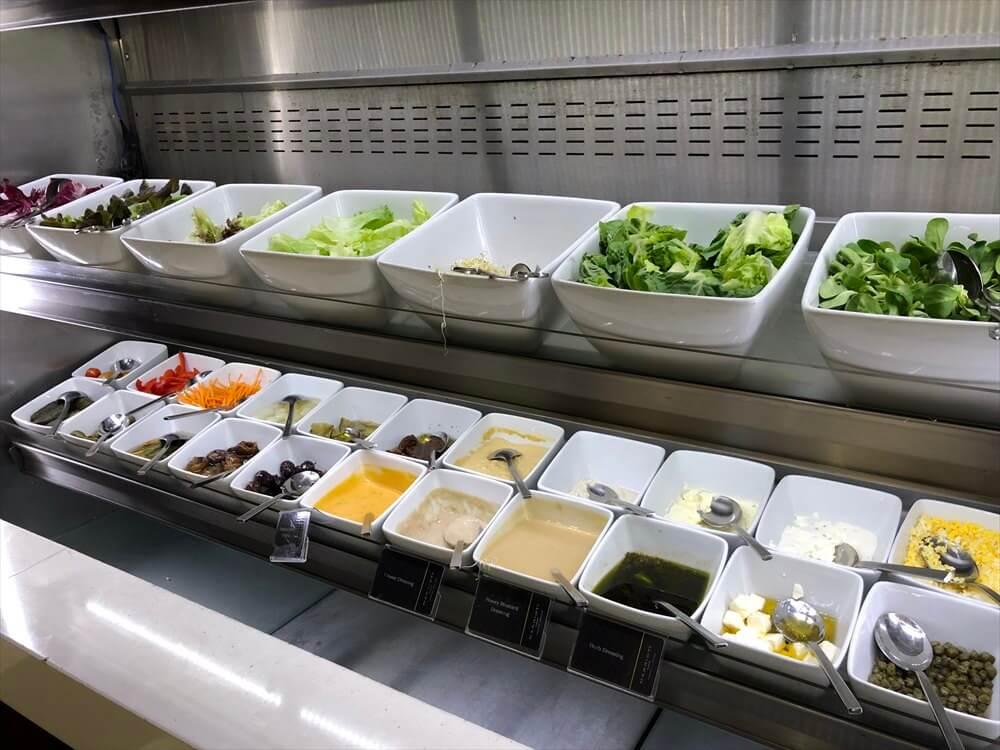 シンガポール マリオット タン プラザ ホテル朝食(サラダ)
