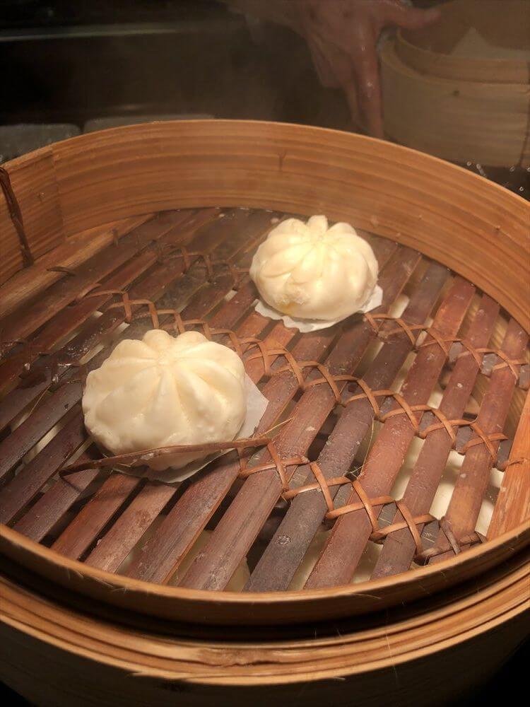 シンガポール マリオット タン プラザ ホテル朝食(カボチャまん)