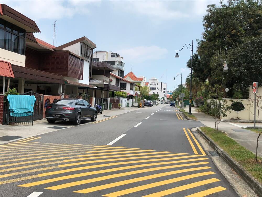 シンガポールのカトン地区のパステルカラーの住1