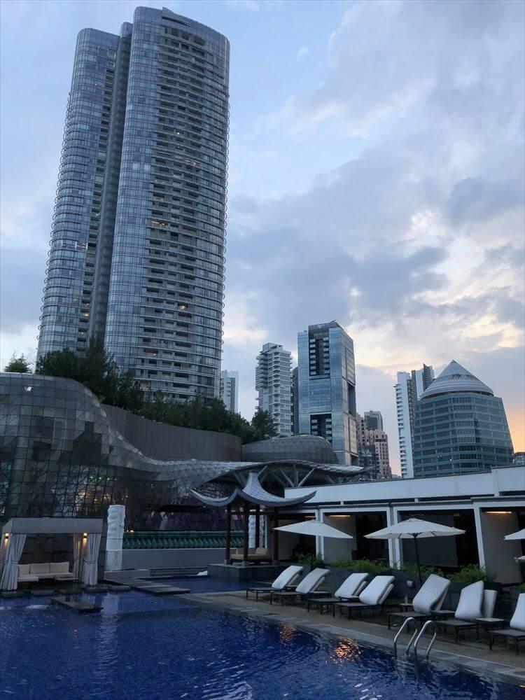 シンガポール マリオット タン プラザ ホテルのプール3