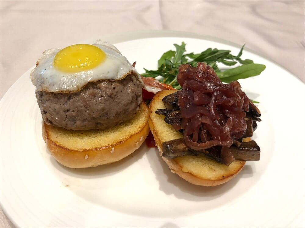 チャンギ空港のターミナル3のTHE PRIVATE ROOMのU.S. Prime Beef Burger1