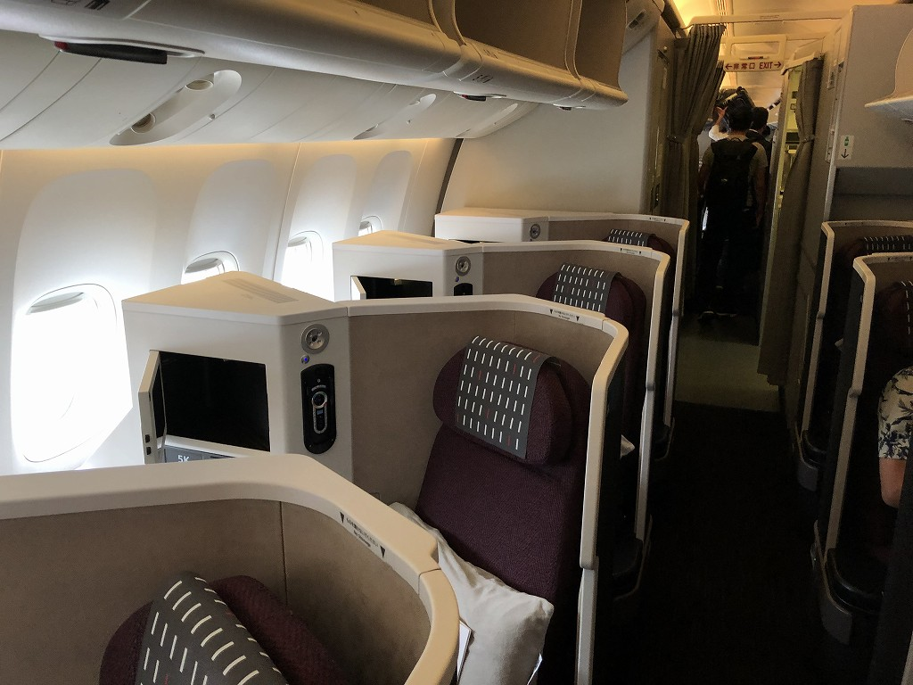 JAL29便ビジネスクラスのJAL SKY SUITE 3の設備1