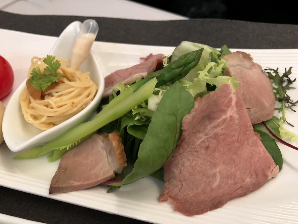 JAL29便ビジネスクラスの洋食の機内食3