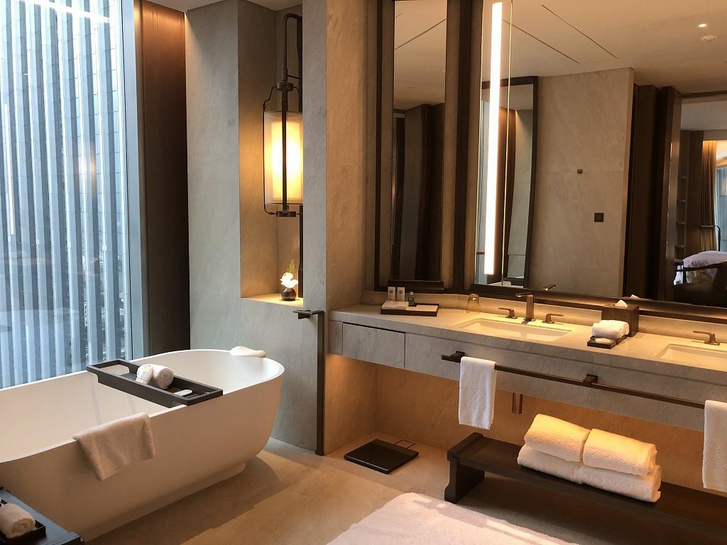 セントレジス香港のメトロポリタンスイートのバスルーム1