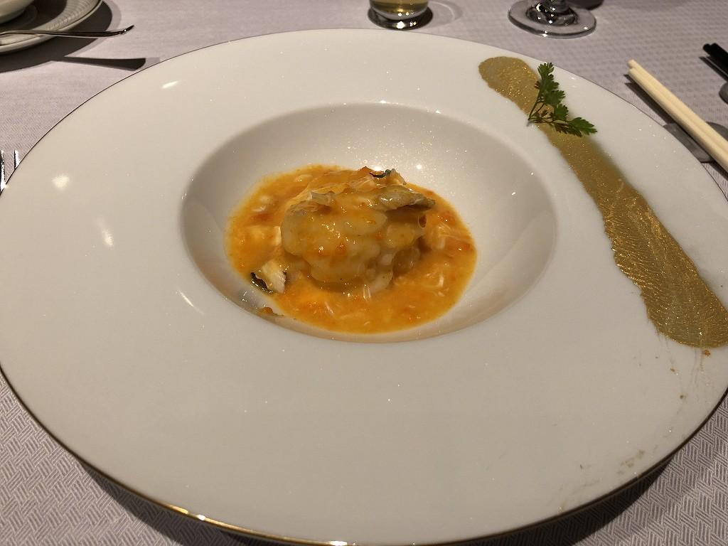 セントレジス香港の「RUN」のディナーの車海老のカニ味噌ソース1