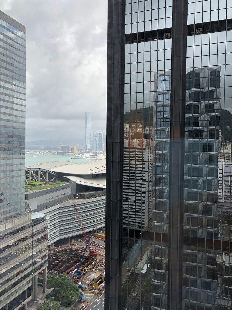 セントレジス香港のメトロポリタンスイートからの眺め(朝)