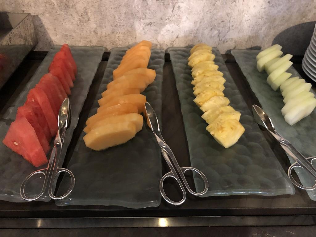 セントレジス香港の「RUN」での朝食のフルーツ