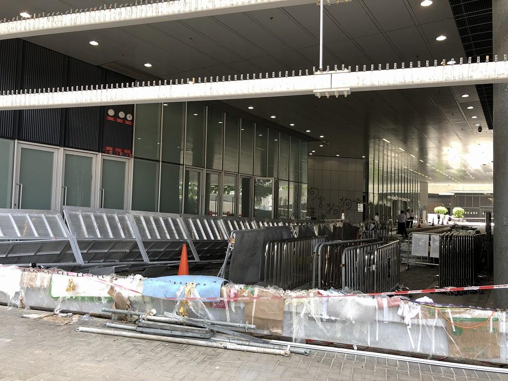 突撃された香港の立法会2