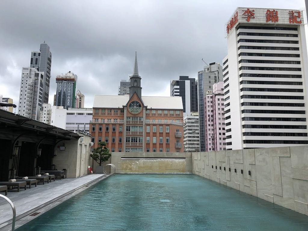 セントレジス香港のプール