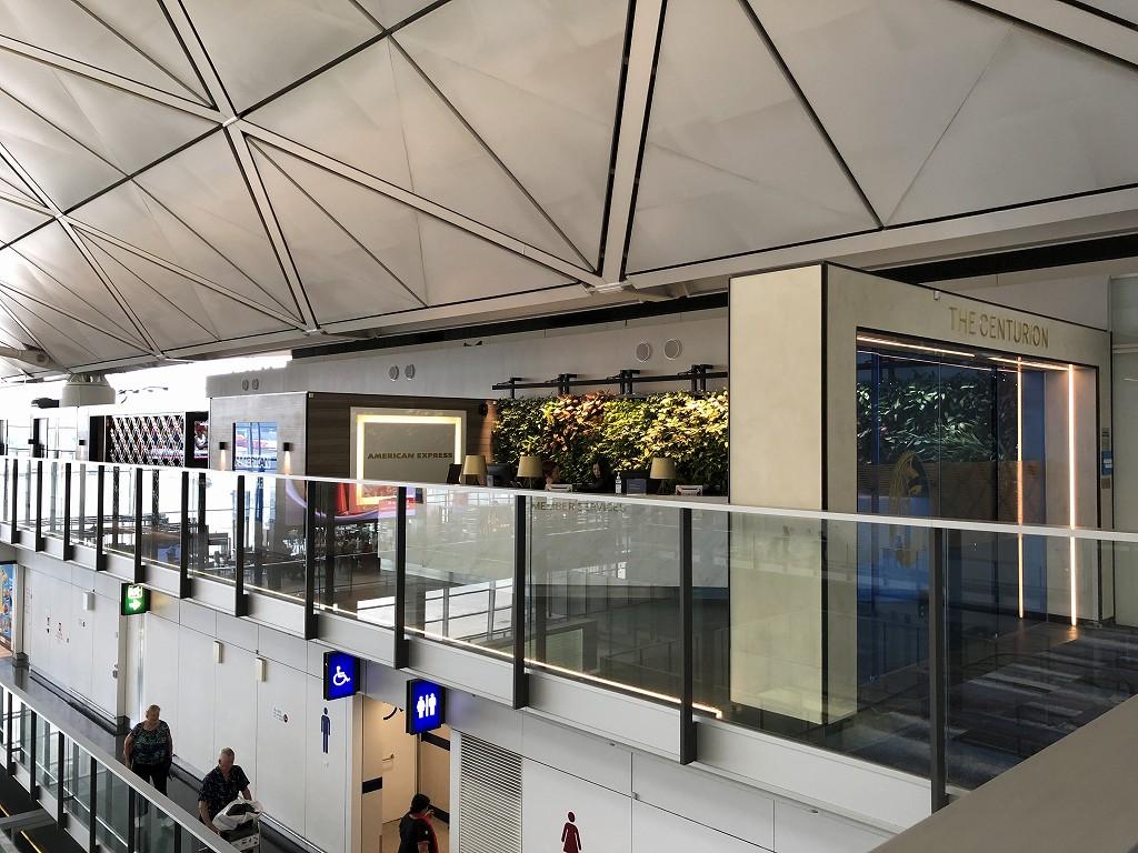 香港国際空港のアメリカン・エキスプレス・センチュリオン・ラウンジを横から撮影