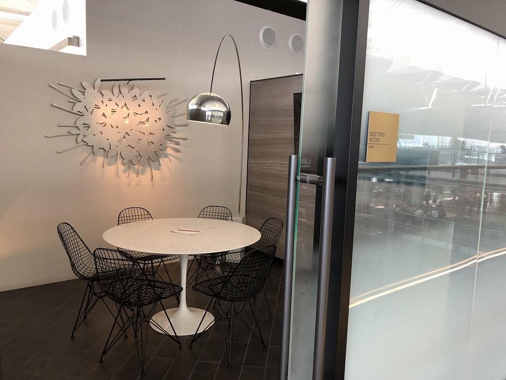 香港国際空港のアメリカン・エキスプレス・センチュリオン・ラウンジのミーティングルーム