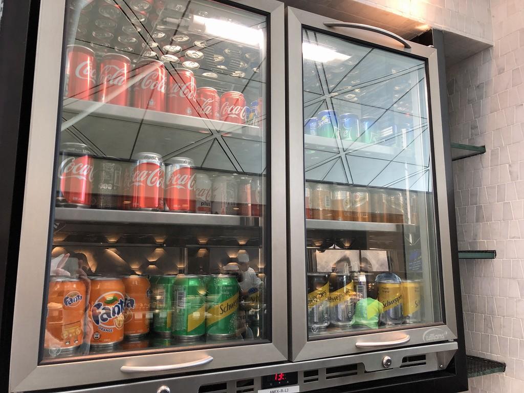 香港国際空港のアメリカン・エキスプレス・センチュリオン・ラウンジのジュース類