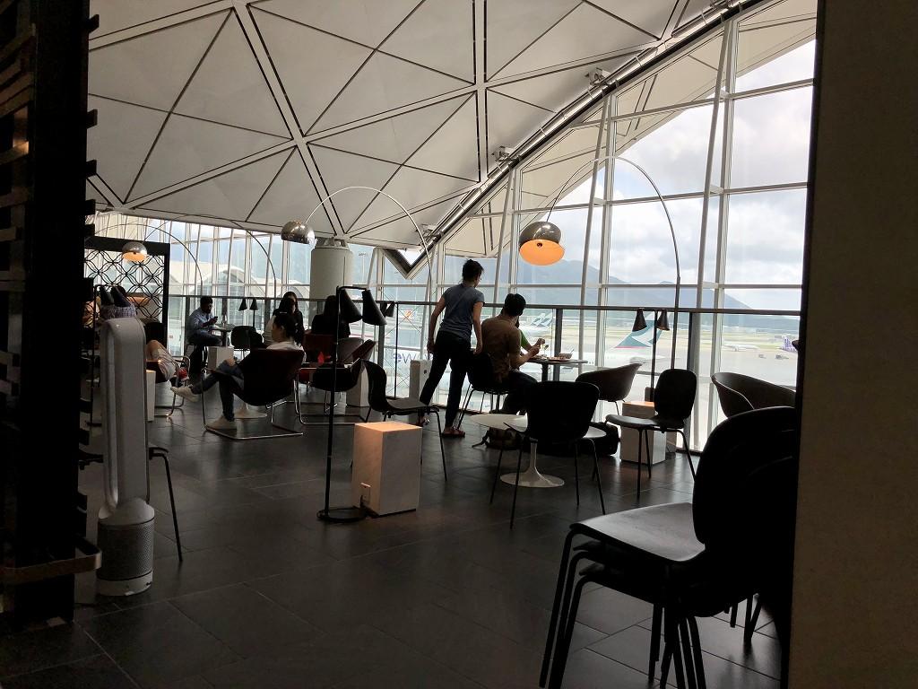 香港国際空港のアメリカン・エキスプレス・センチュリオン・ラウンジの内観1
