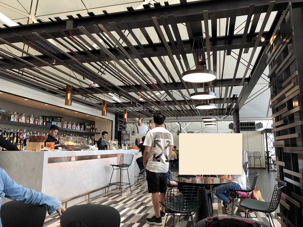 香港国際空港のアメリカン・エキスプレス・センチュリオン・ラウンジの内観2