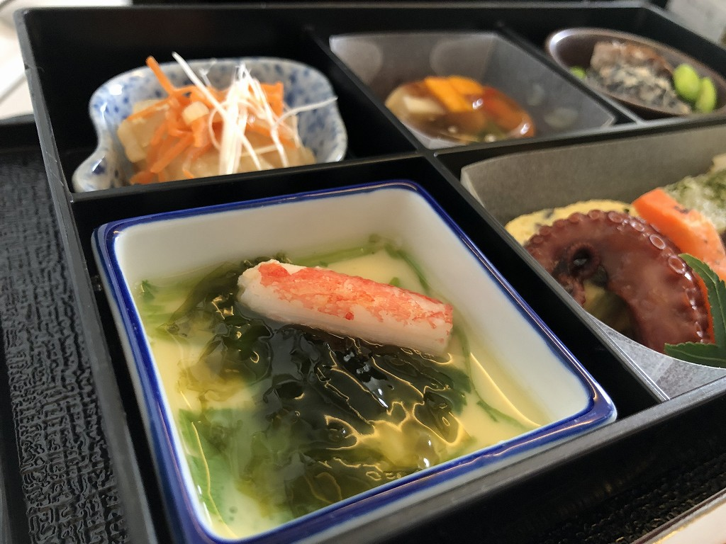 JAL26便ビジネスクラスの和食の機内食3