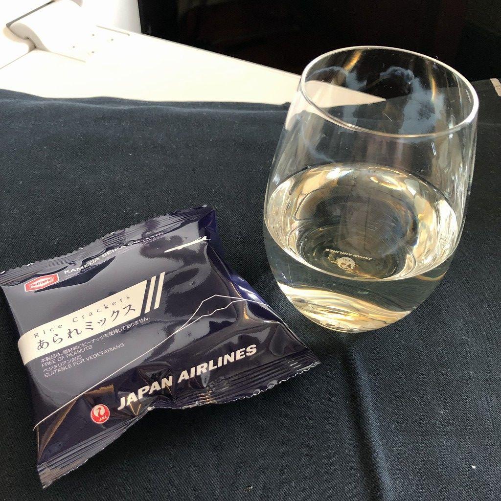 JAL26便ビジネスクラスの日本酒「作」