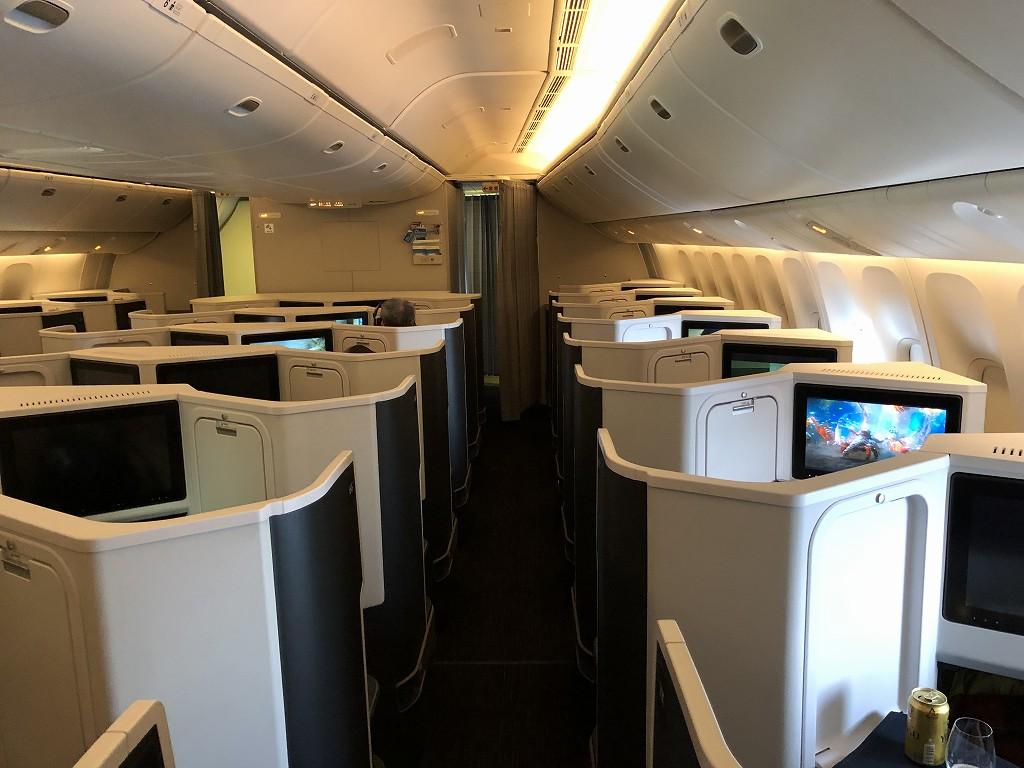 JAL26便ビジネスクラスの機内の様子