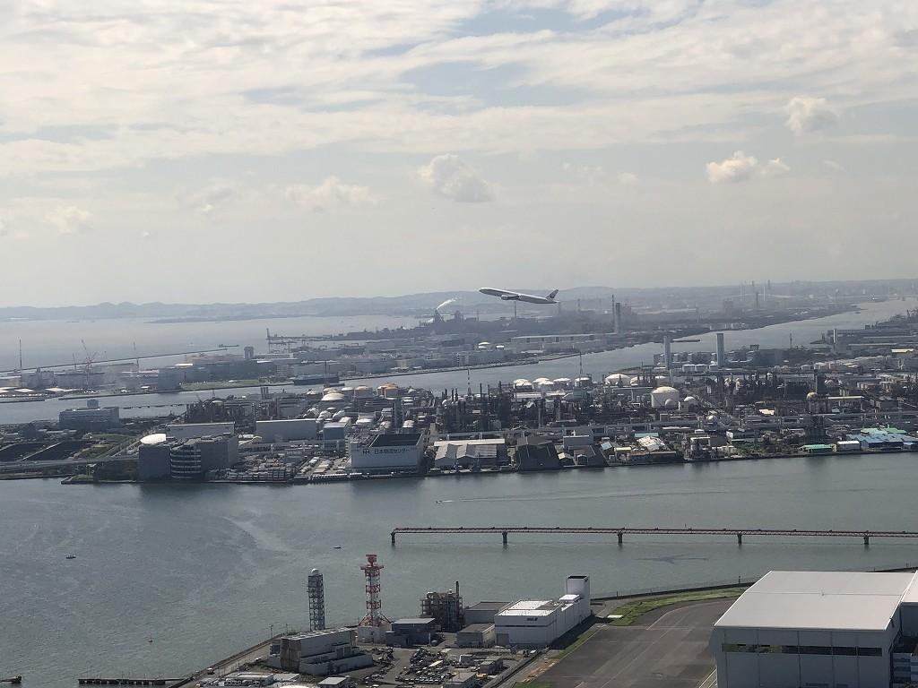 羽田空港から出発するJAL便