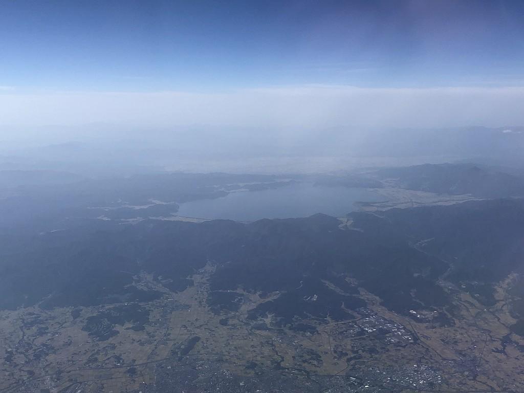 ANA398便から見た猪苗代湖