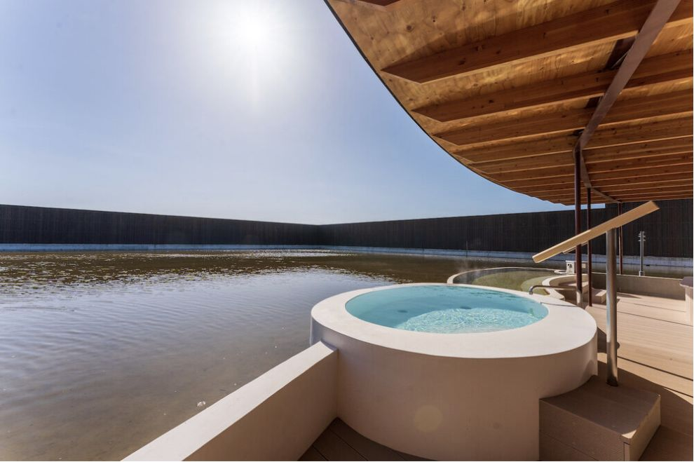 スイデンテラスの月白の湯のインフィニティ露天風呂